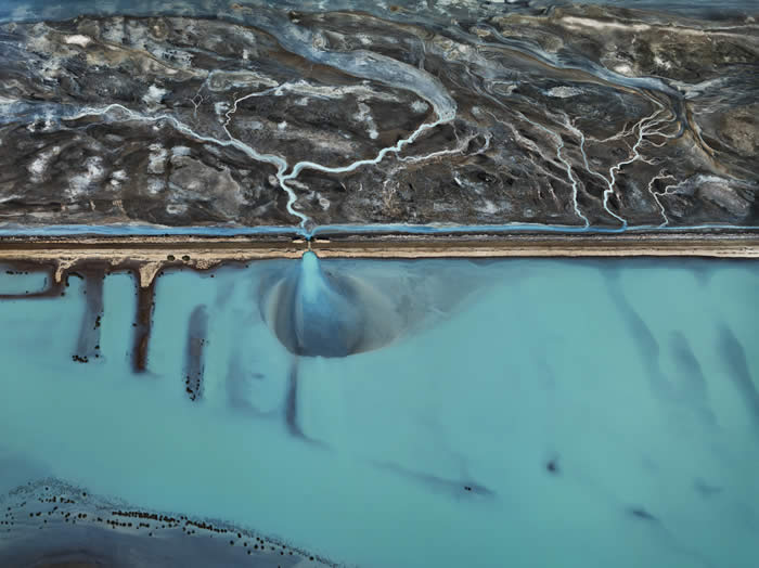 Photo © Edward Burtynsky, courtesy Metivier Gallery, Toronto / Von Lintel Gallery, Los Angeles.