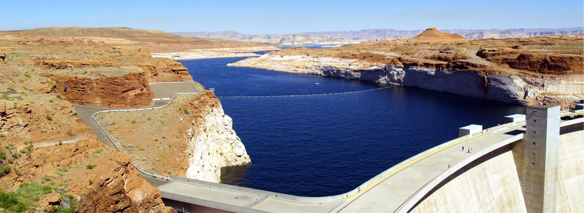 Lake Powell & Glen Canyon Dam in Arizona